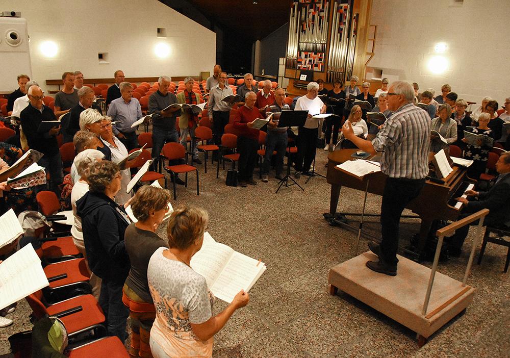 Repetitie van het Pauluskoor Amstelveen in de Paaskerk